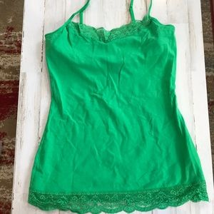 Express Kelly Green Lace Camisole ✨ ☘️